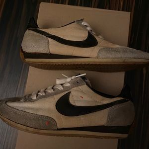 Vintage nike shoe